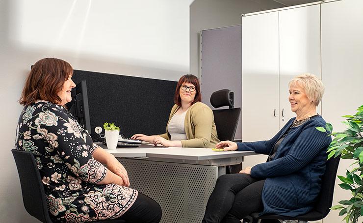Tarjoamme kattavat palkkapalvelut kaiken kokoisille yrityksille.